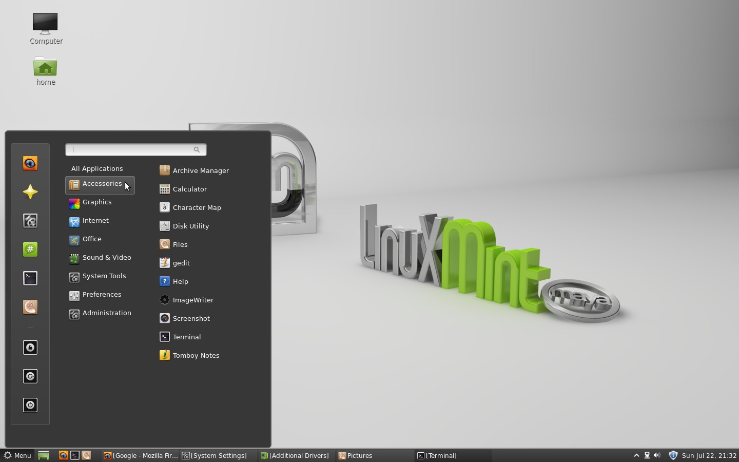 Linux Mint 13 : Cinnamon Desktop