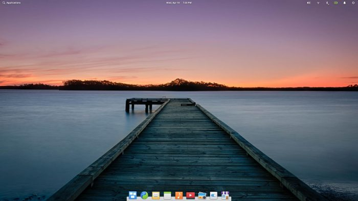 Elementary OS - Desktop Screenshot